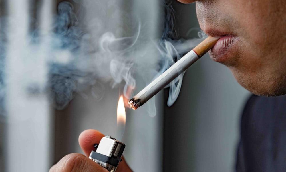 Smoking and wearing dentures