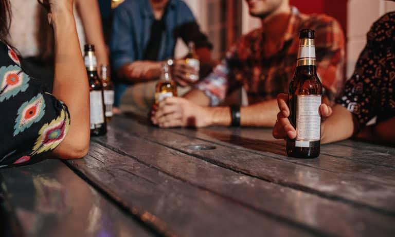 17 Homemade Beer Die Table Ideas You Can DIY Easily