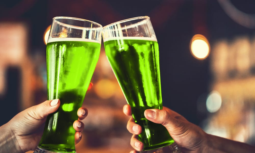 7 Easy Steps to Make Green Beer at Home