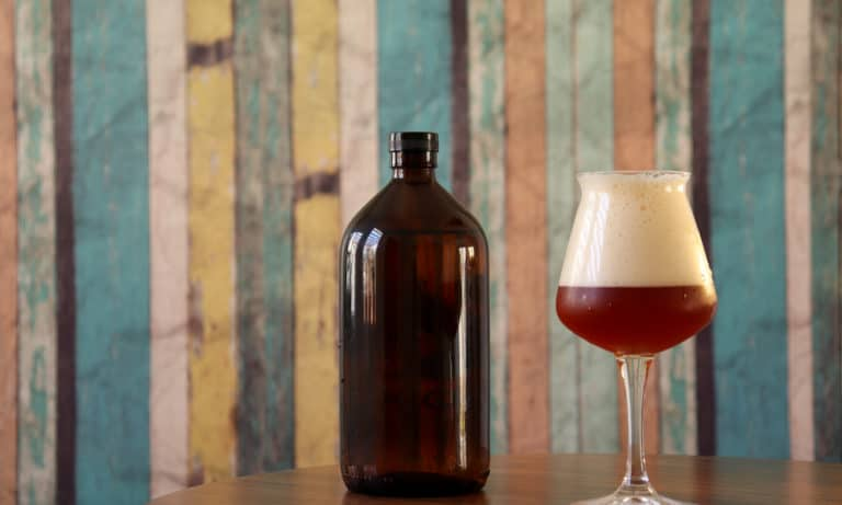What Is a Beer Growler (History, Types & Size)