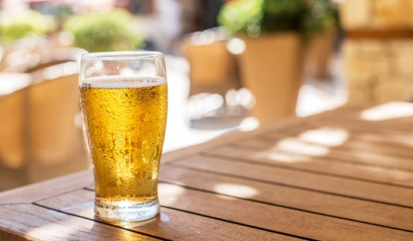 Light Beer vs. Regular Beer: What's the Difference?