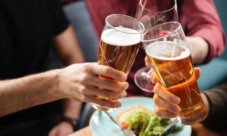Why Does Beer Make You Pee (The Main Reasons)